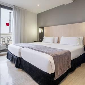 Room Junior Suite Hotel ILUNION Almirante Barcelona