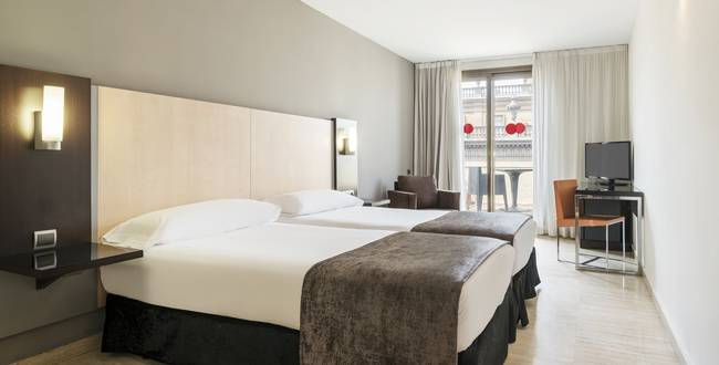 Double room hotel ilunion almirante barcelona
